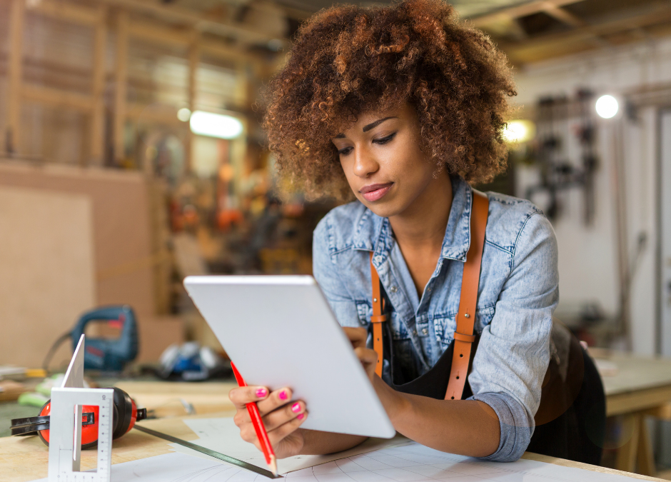 9 logiciels pour auto-entrepreneurs qui vont te faciliter ton quotidien pro!