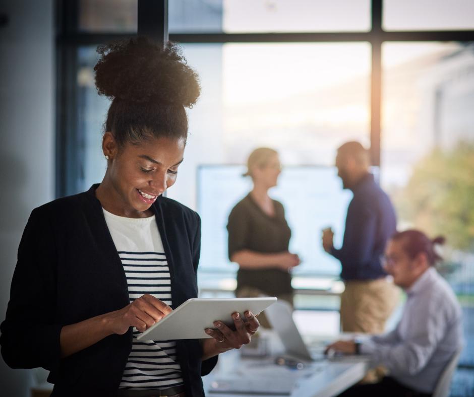 Maman entrepreneure, utiliser Trello pour ton business peut transformer ta gestion de projets et ton organisation professionnelle! Je t'en dis plus dans cet article.